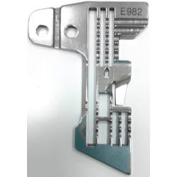 Игольная пластина E982 Siruba width=